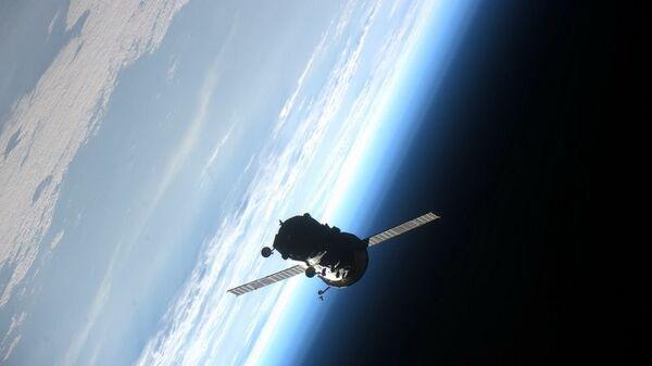 Statelit u Zemljinoj orbiti - Sputnik Srbija