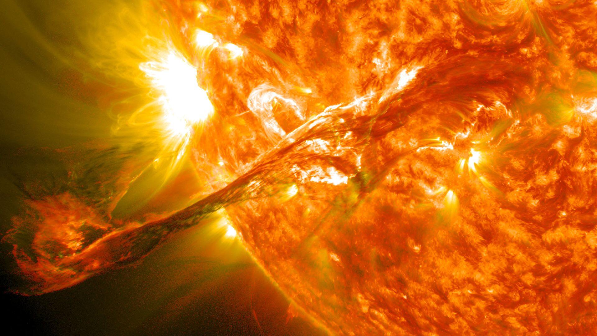 Zvezdana baklja snimljena na Suncu - Sputnik Srbija, 1920, 11.10.2021