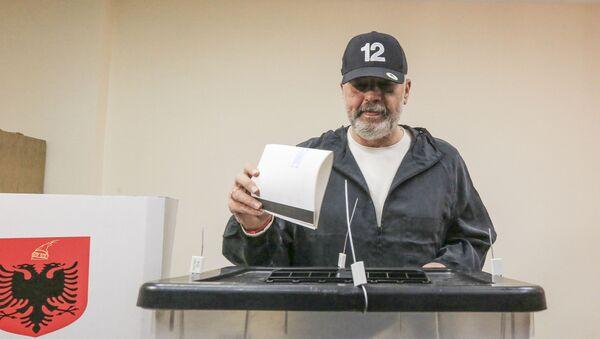 Еди Рама гласа на парламентарним изборима у Албанији - Sputnik Србија