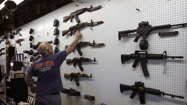 Trgovina oružjem u Americi - Sputnik Srbija
