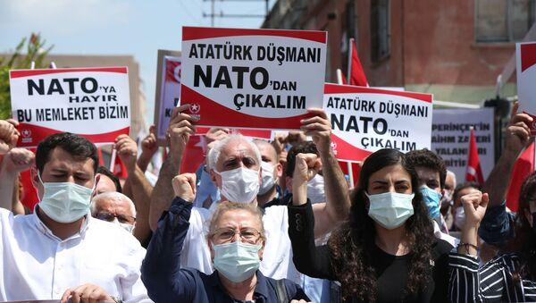 """Protest ispred vazduhoplovne baze """"Indžirlik"""" u Turskoj - Sputnik Srbija"""