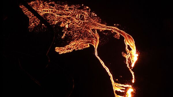 Вулканска лава, Исланд - Sputnik Србија