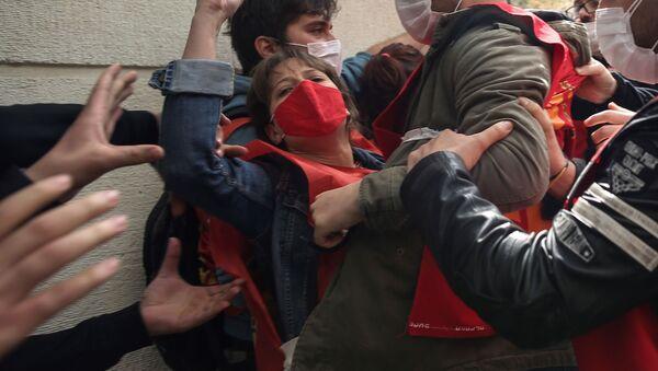 Хапшења током првомајског протеста у Истанбулу - Sputnik Србија