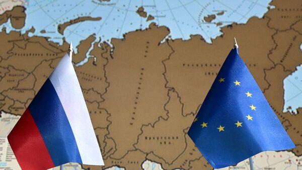 Заставе Русије и Европске уније - Sputnik Србија