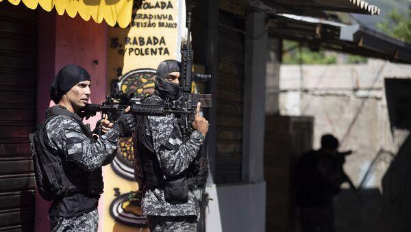 Brazilska policija tokom akcije u Rio de Žaneiru - Sputnik Srbija