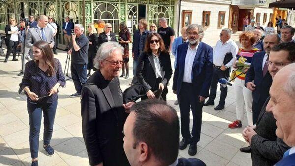 Петер Хандке са Емиром Кустурицом у Андрићграду - Sputnik Србија
