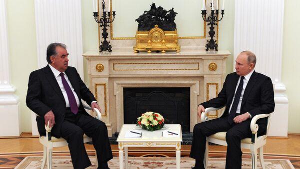 Председник Русије Владимир Путин и председник Таџикистана Емомали Рахмон - Sputnik Србија