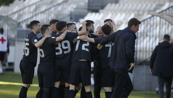 Фудбалери Партизана прослављају гол против Чукаричког - Sputnik Србија