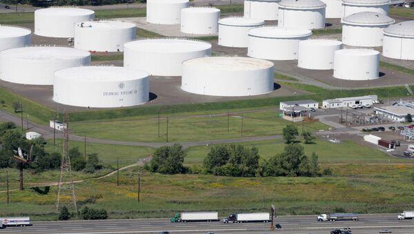 Naftni rezervoari kompanije Colonial Pipeline u Nju Džerziju - Sputnik Srbija