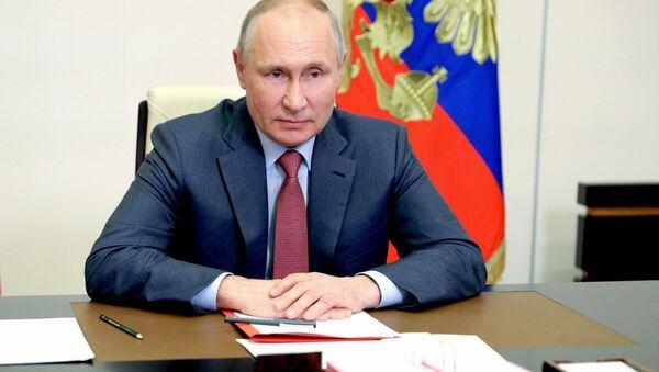 Путин: Украјину претварају у антипод Русији - Sputnik Србија