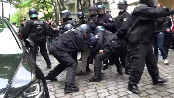 Хапшења у Берлину на про-палестинском скупу - Sputnik Србија