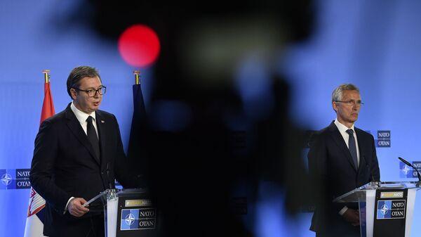 Aleksandar Vučić i Jens Stoltenberg - Sputnik Srbija