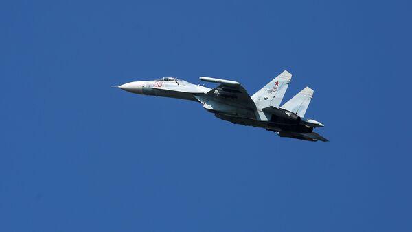Višenamenski lovac Su-27 - Sputnik Srbija