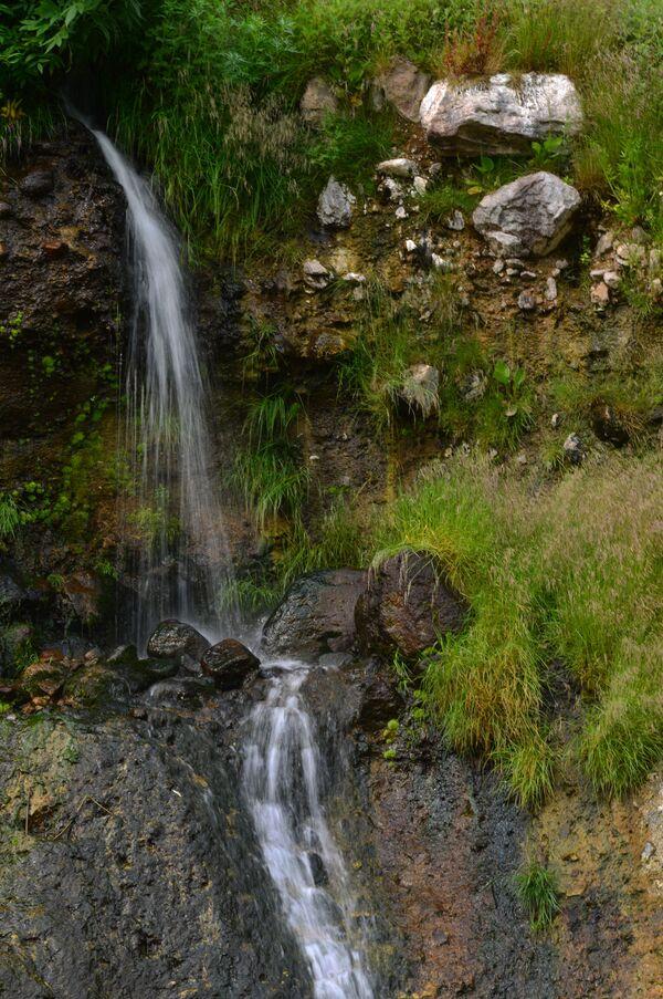 Vodopad Kosička u Dolini gejzira u Kronickom državnom rezervatu prirodne biosfere na Kamčatki  - Sputnik Srbija