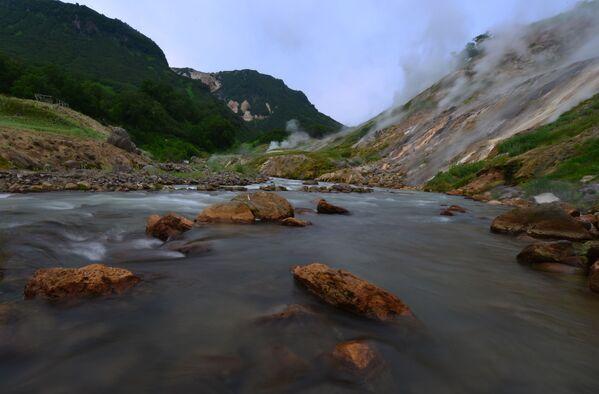 Reka Gejzerna u Dolini gejzira na Kamčatki  - Sputnik Srbija