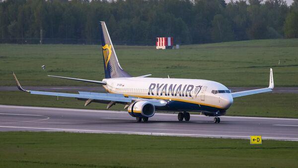 Avion kompanije Rajan er na aerodromu u Viljnusu - Sputnik Srbija