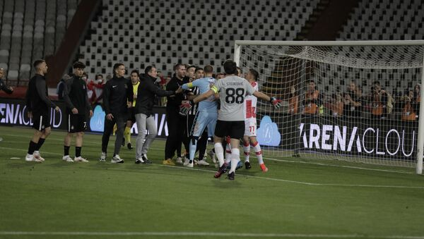 Haos u finalu Kupa između FK Crvena zvezda i FK Partizan - Sputnik Srbija