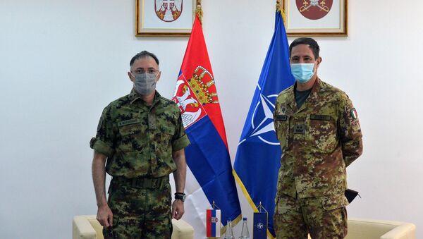 Начелник Генералштаба Милан Мојсиловић и командант Кфора Франко Федеричи - Sputnik Србија