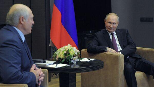 Predsednici Belorusije i Rusije, Aleksandar Lukašenko i Vladimir Putin, na sastanku u Sočiju - Sputnik Srbija
