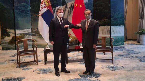 Ministar spoljnih poslova Nikola Selaković i šef kineske diplomatije Vang Ji - Sputnik Srbija
