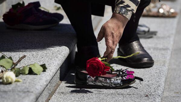 Sećanje na 215 dece čiji su ostaci nađeni u masovnoj grobnici u Kanadi - Sputnik Srbija