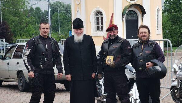 Sa ruskim Noćnim vukovima motociklista Slobodan Bašić obišao je mnoge ruske svetinje - Sputnik Srbija