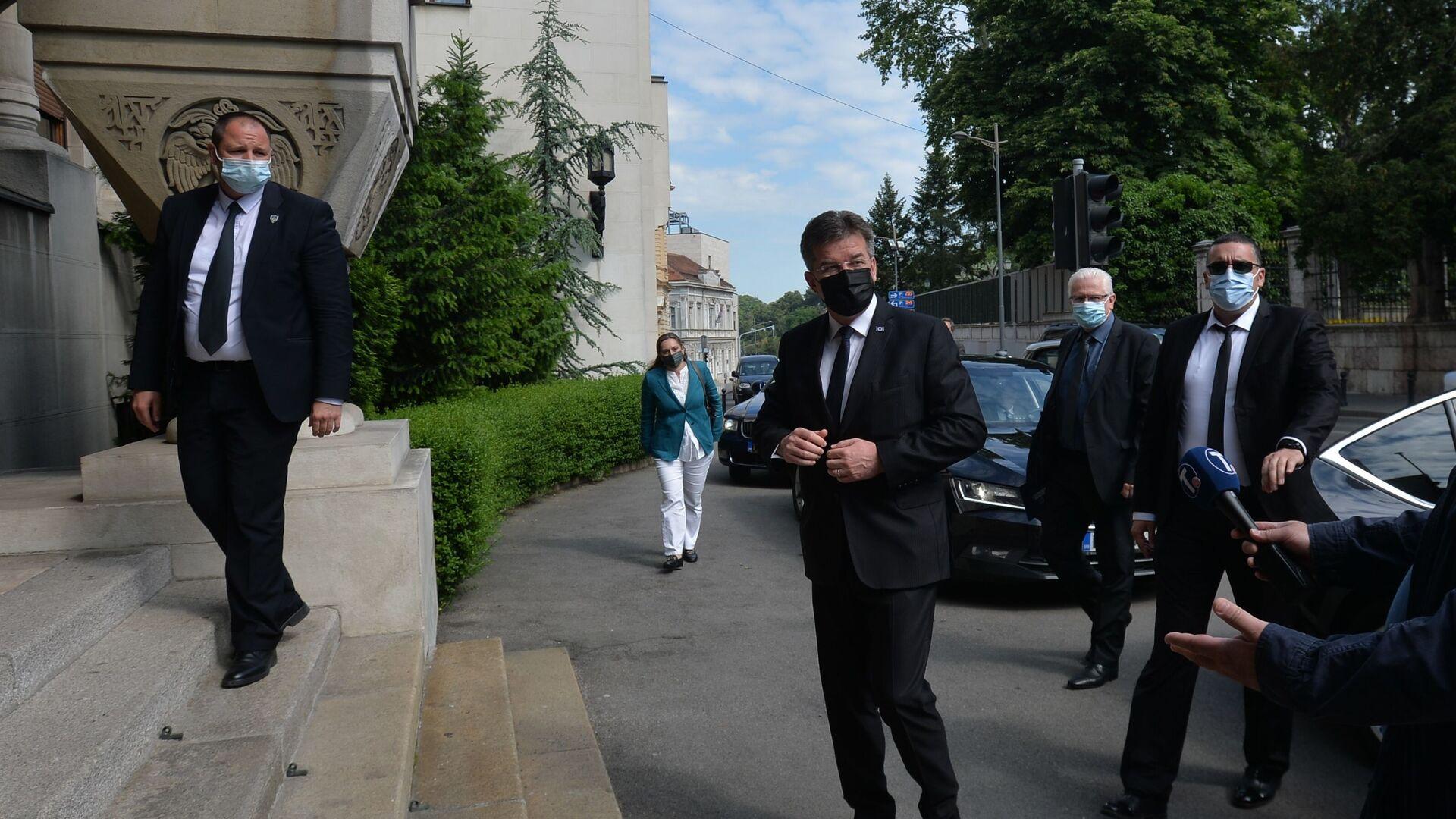 Miroslav Lajčak dolazi u Patrijaršiju na sastanak sa patrijarhom Porfirijem - Sputnik Srbija, 1920, 30.09.2021