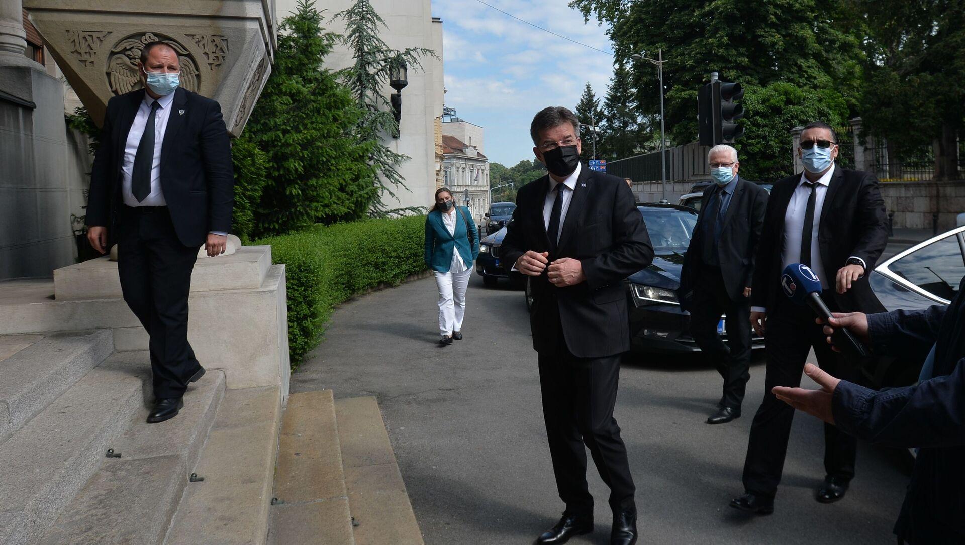 Мирослав Лајчак долази у Патријаршију на састанак са патријархом Порфиријем - Sputnik Србија, 1920, 04.06.2021