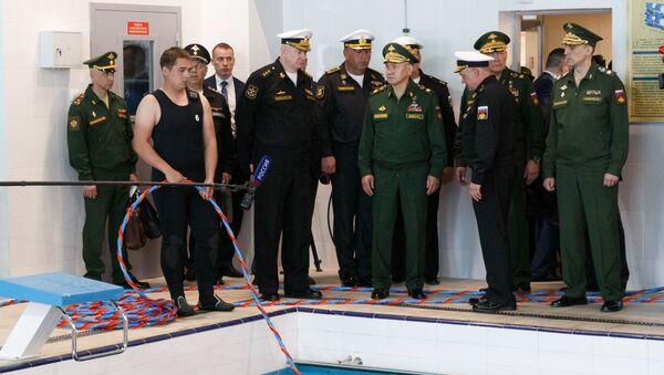 Ruski ministar odbrane Sergej Šojgu u poseti Južnom vojnom okrugu - Sputnik Srbija