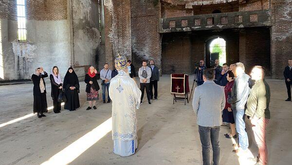 Liturgija u Hramu Hrista Spasa u Prištini - Sputnik Srbija