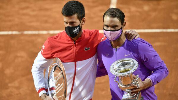 Novak Đoković i Rafael Nadal posle finala Rima 2021. - Sputnik Srbija