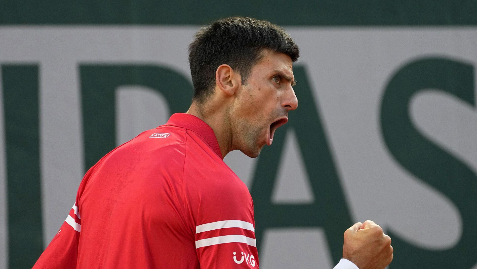 Novak Đoković tokom meča sa Rafaelom Nadalom u polufinalu Rolan Garosa - Sputnik Srbija, 1920, 11.06.2021