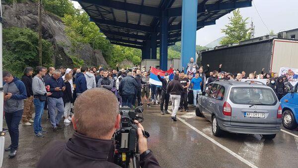 Blokada na prelazu Jarinje - Sputnik Srbija