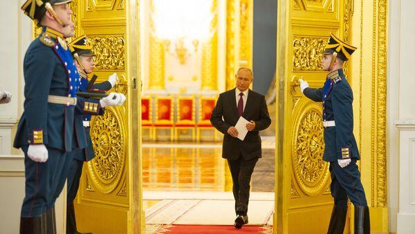 """Путин: Имамо најмоћнију флоту нуклеарних ледоломаца,  """"Лидер"""" ће бити без премца - Sputnik Србија"""
