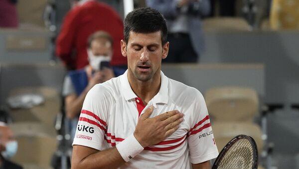 Novak Đoković nakon što je savladao Rafu Nadala u polufinalu Rolan Garosa - Sputnik Srbija