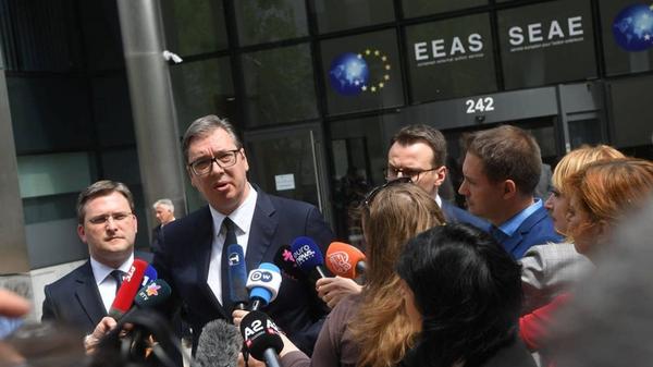 Председник Србије Александар Вучић након састанка у Бриселу - Sputnik Србија