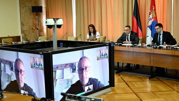 Александар Вулин видео-линком разговара са послаником немачког Бундестага Александером Нојем - Sputnik Србија