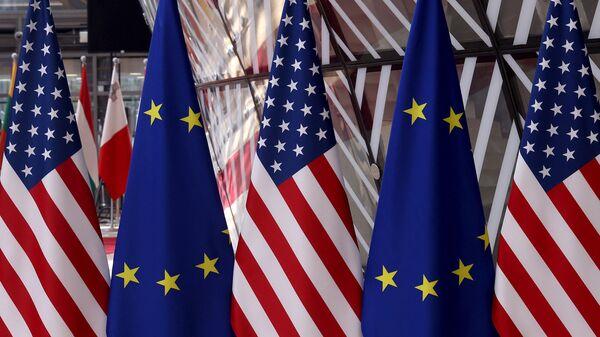 Америка, Европа, заставе - Sputnik Србија