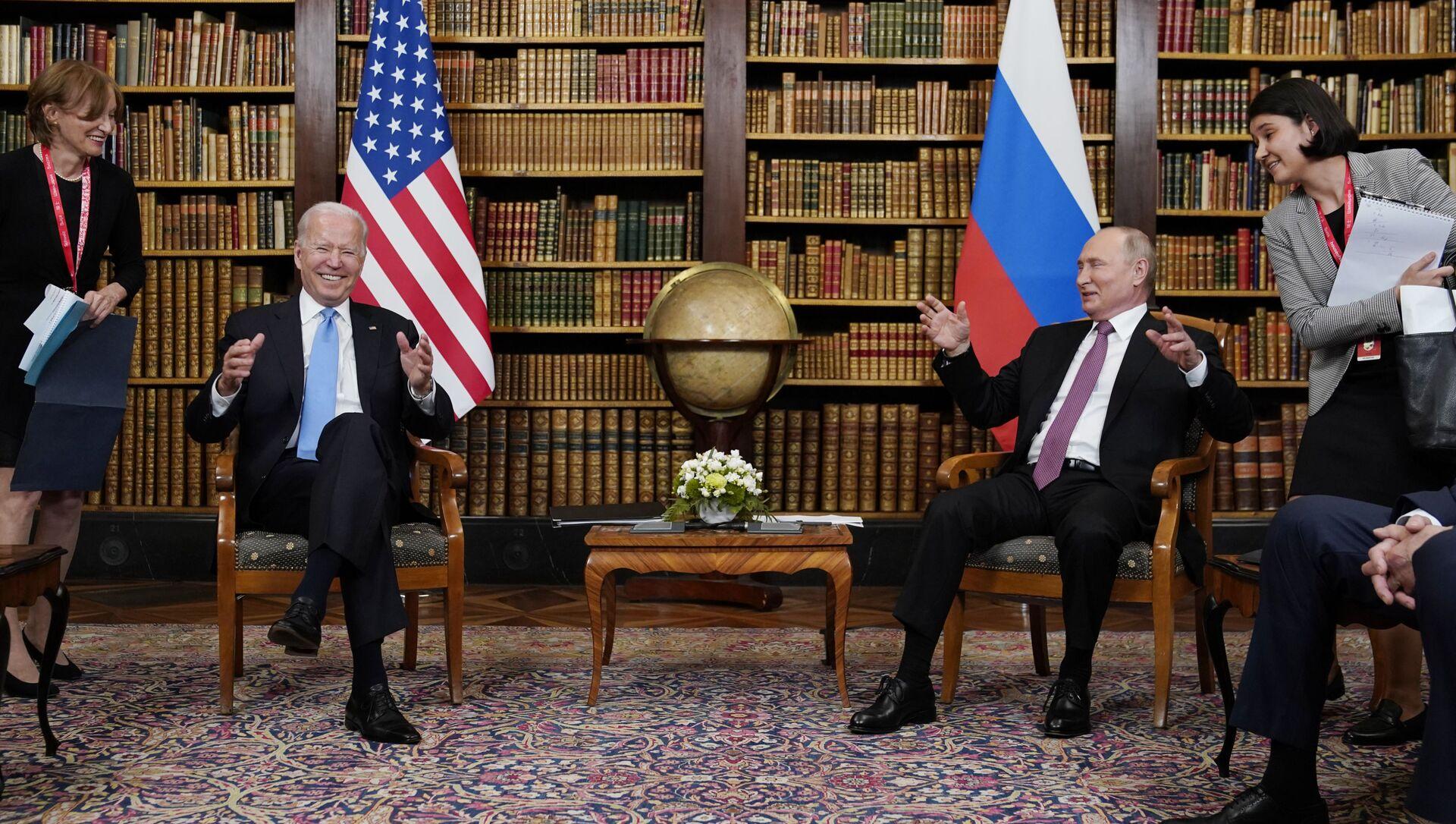 Vladimir Putin i Džo Bjaden - Sputnik Srbija, 1920, 16.06.2021