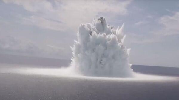 Експлозија у мору приликом тестирања носача авиона - Sputnik Србија