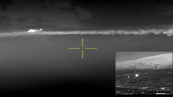 Izvedene su složene borbene radnje taktičke grupe tokom odbrambene operacije noću - Sputnik Srbija