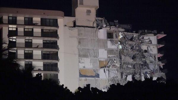 Srušila se zgrada u Majamiju - Sputnik Srbija