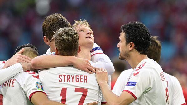 Fudbaleri Danske slave gol protiv Velsa - Sputnik Srbija