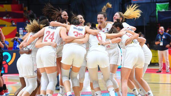 Кошаркашице Србије прослављају победу над Белгијом на Европском првенству - Sputnik Србија