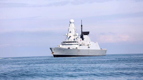 Британски брод Дефендер  - Sputnik Србија