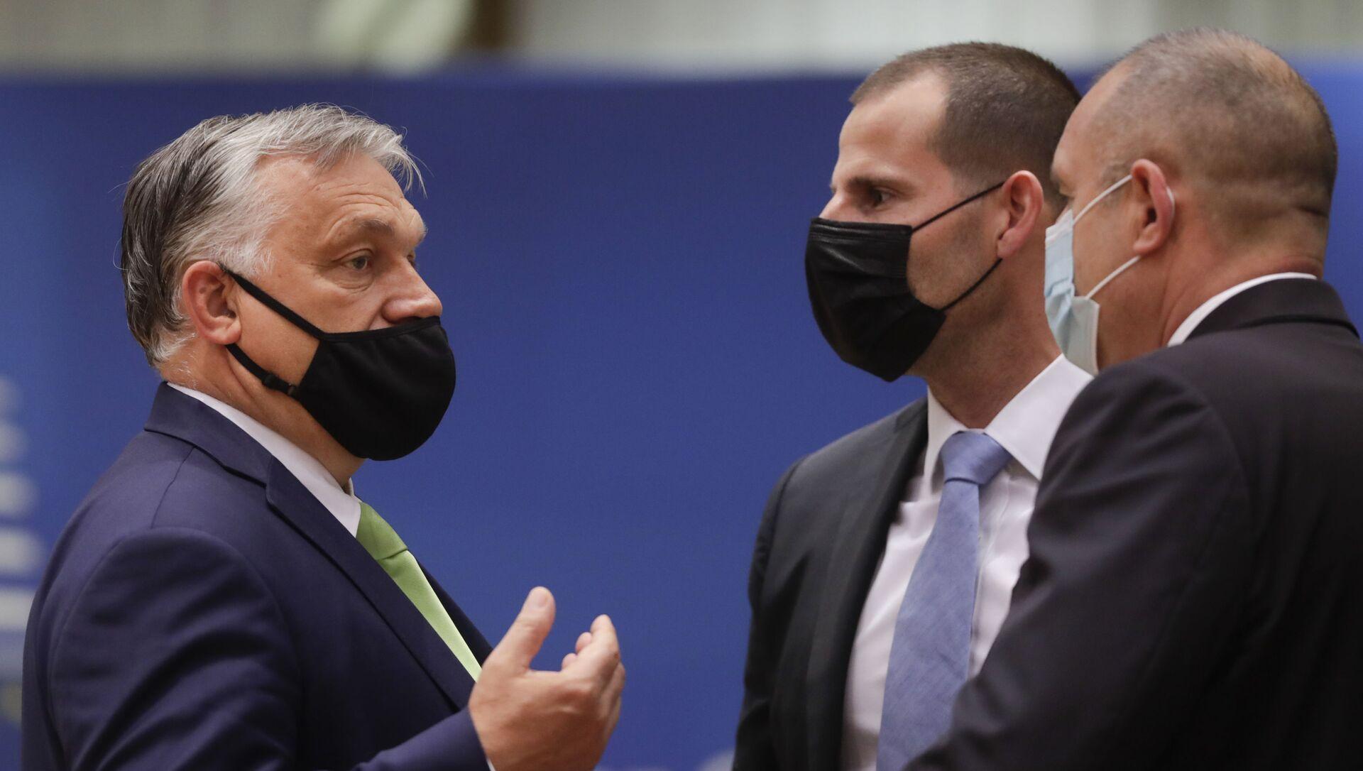 Виктор Орбан, Роберт Абела и Јанез Јанша - Sputnik Србија, 1920, 03.07.2021
