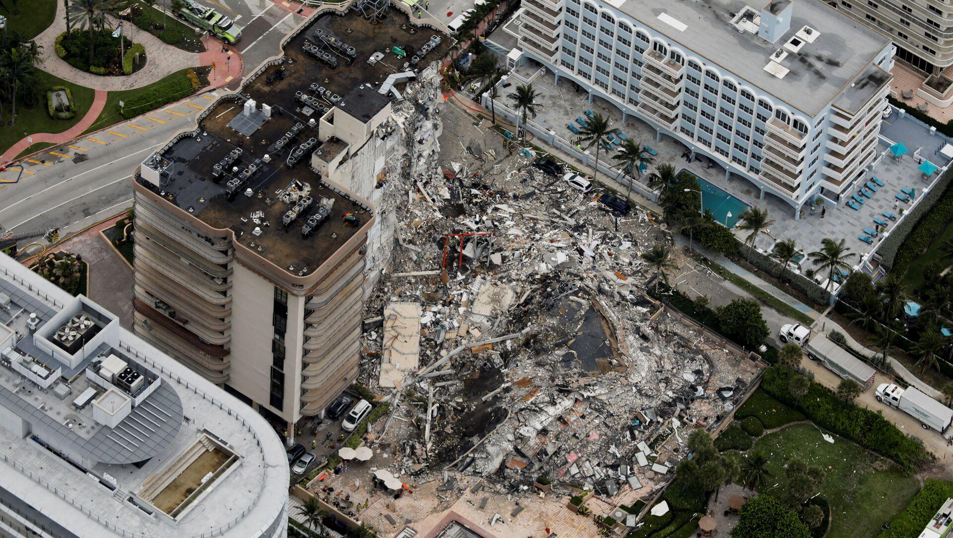 Ostaci delimično urušene zgrade u Majamiju - Sputnik Srbija, 1920, 05.07.2021