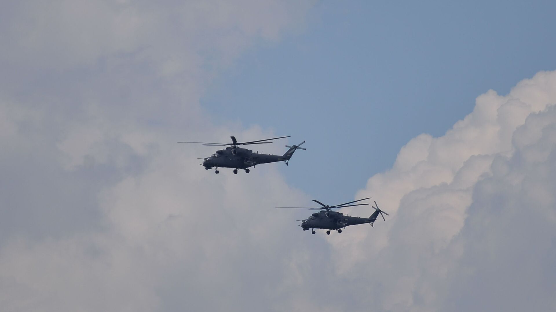 Nalet helikoptera Mi-35 - Sputnik Srbija, 1920, 24.09.2021