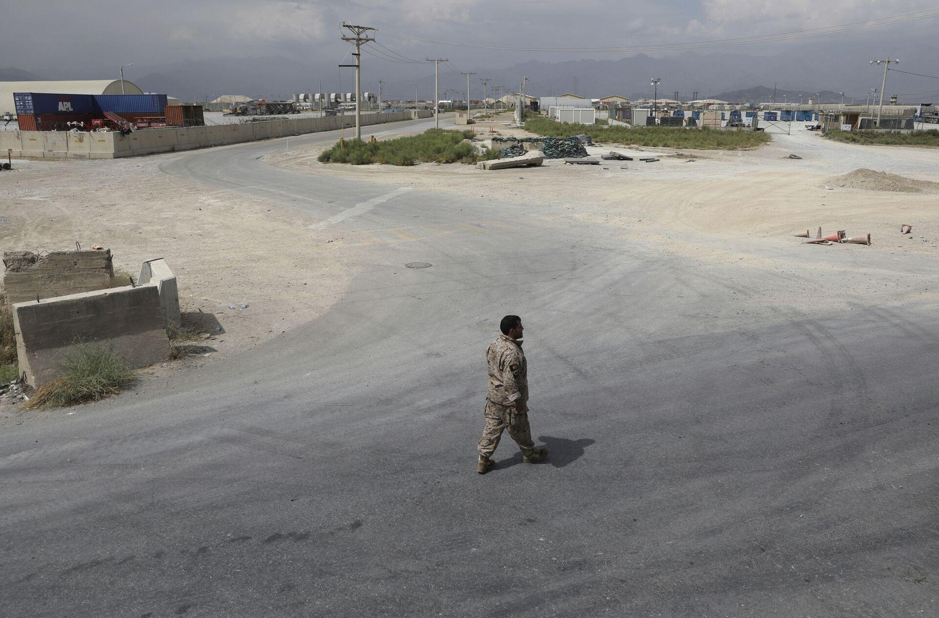 Trupe Sjedinjenih Država su, isključivanjem struje i iskradanjem tokom noći, napustile avganistansku vazduhoplovnu bazu i aerodrom Bagram - Sputnik Srbija, 1920, 13.07.2021
