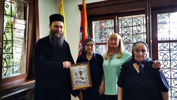 Hilandarska penzija srpskim majkama sa Kosova i Metohije - Sputnik Srbija
